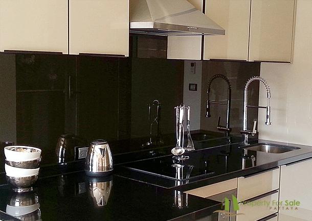 gro e 3 zimmer eigentumswohnung im zentrum pattaya. Black Bedroom Furniture Sets. Home Design Ideas