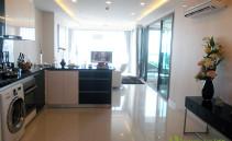Großzügiger Wohnbereich Wong Amat Tower Pattaya