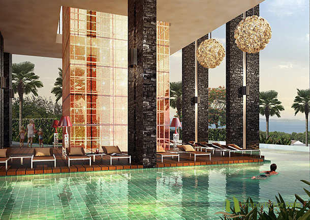 Ebenerdiger Pool des Wong Amat Tower Pattaya