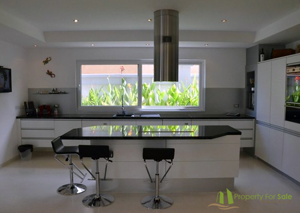 Luxus Küche mit Elektrogeräten Villa mit Meerblick in Pattaya Ost