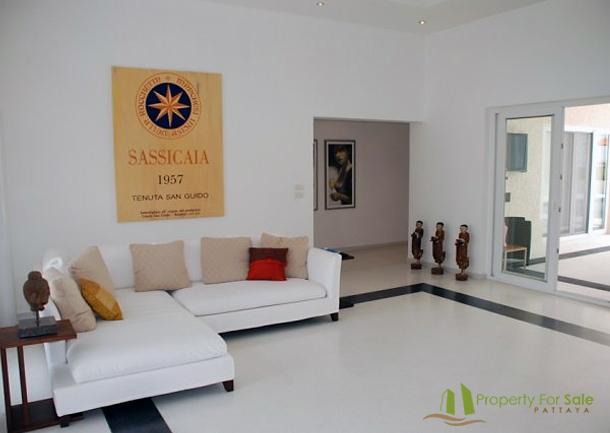 Wohnbereich Villa mit Meerblick in Pattaya Ost