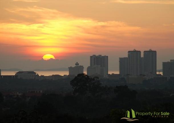 Pattaya Skyline und Sonnenuntergang Villa mit Meerblick in Pattaya Ost